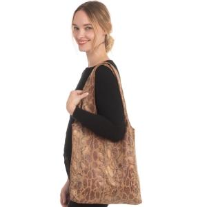 CB0923 Dark Python Pattern Slouchy Tote Bag