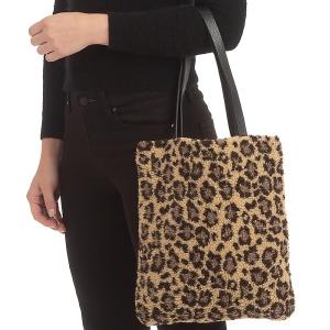 CB0931 Leopard Pattern Teddy Bear Feel Tote Bag