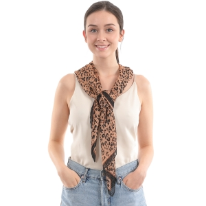 CS0007 Pleated Leopard Pattern Scarf, Brown