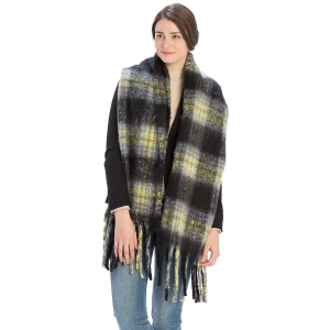 CS9236 Bulky Plaid Pattern Scarf, Black